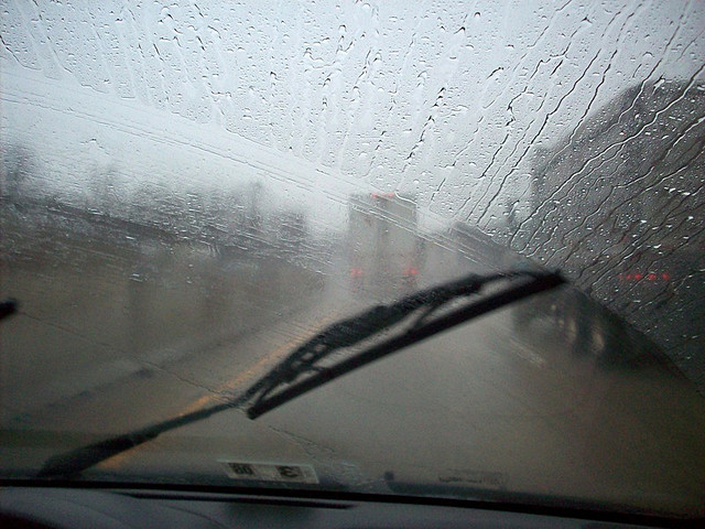 5 signs of wiper wear